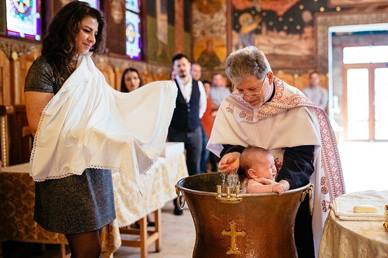 Fotograf Botez Bucuresti,Pachete foto video botez,cabina foto pentru petreceri,sedinte foto de familie,foto